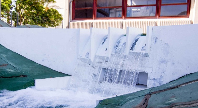 ¿Qué código modelado numérico fluidos es más adecuado diseño hidráulico presas?