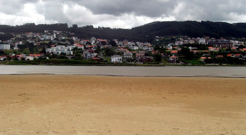 Galicia inicia trabajos regulación nivel hídrico laguna Frouxeira