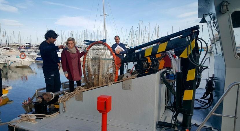 Murcia dispone embarcación limpiar aguas Mar Menor