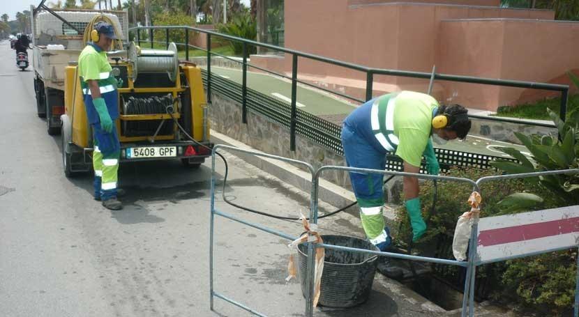 Aguas y Servicios realiza 26.608 limpiezas imbornales antes otoño