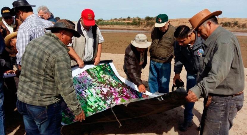 Continúa limpieza embocadura río Pilcomayo