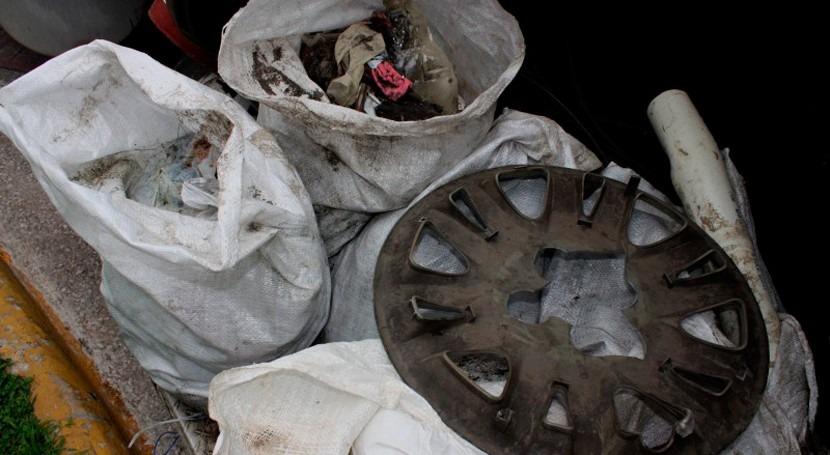 Limpian tuberías sistema pluvial área Punta Pacífica Panamá