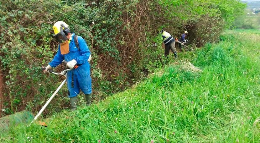 CHC inicia limpieza cauces varios arroyos río Asón Colindres