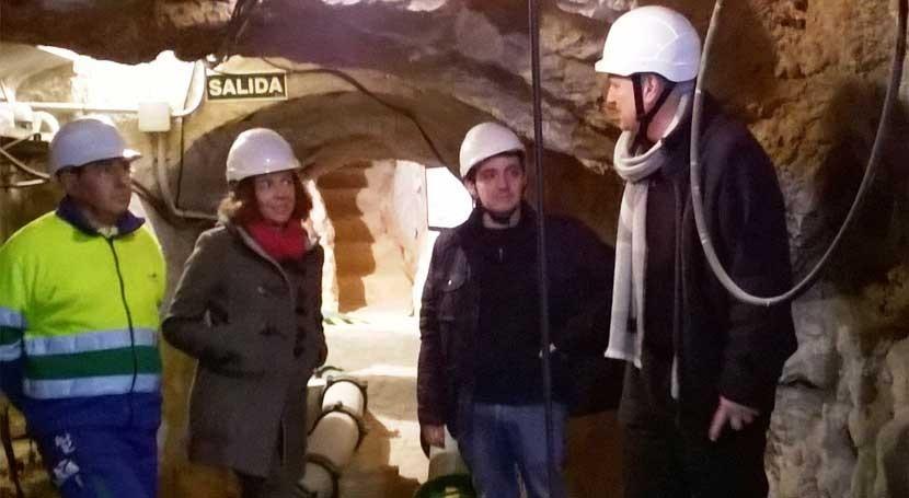 alcalde Llíria visita instalaciones abastecimiento agua municipio