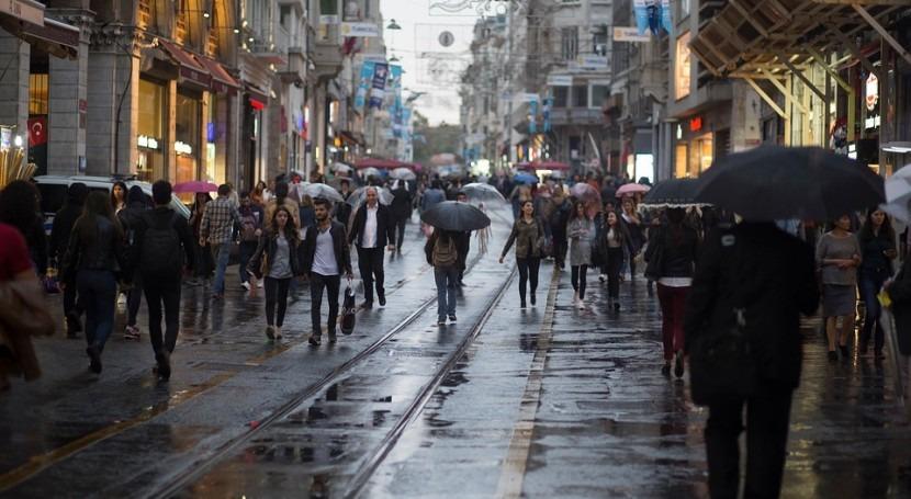 Ascienden 12 fallecidos Italia temporal