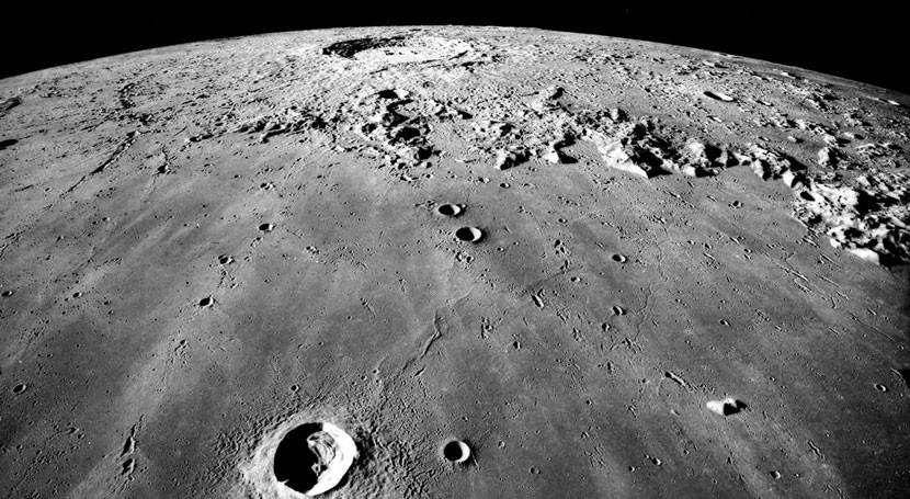 """análisis roca lunar """"oxidada"""" sugiere que interior luna está seco"""
