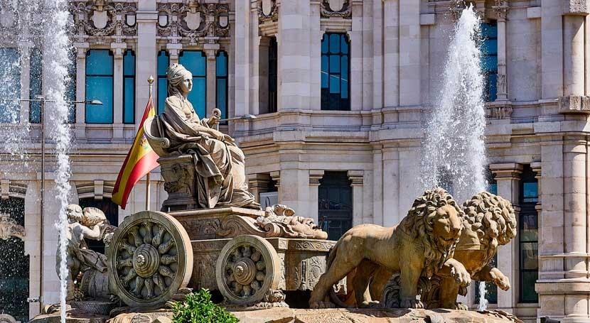 Ayuntamiento Madrid garantiza calidad agua grifo y promueve uso