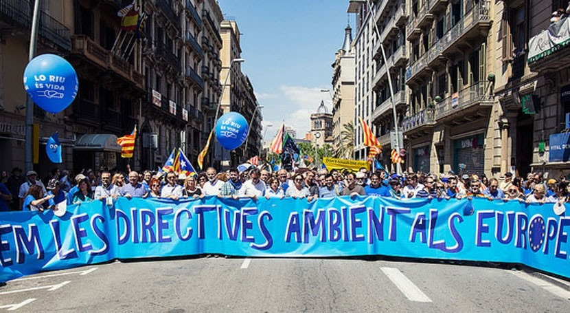 15.000 personas se manifiestan Plan Hidrológico Ebro