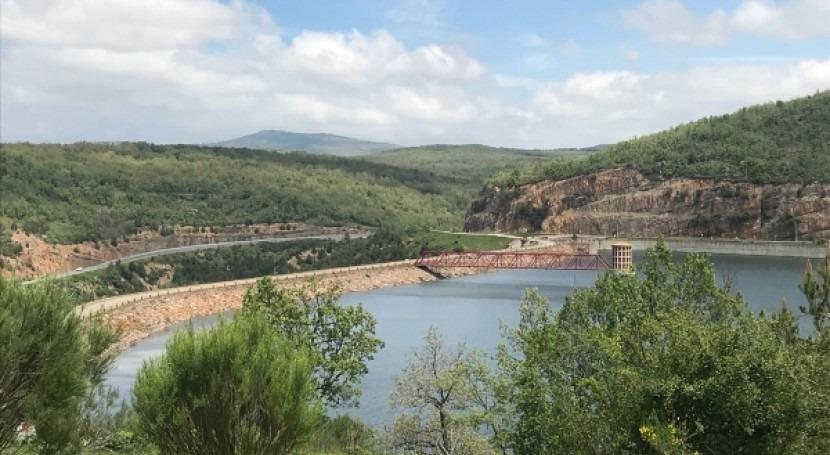 CHE adjudica construcción infraestructuras planes emergencia Mansilla y Pajares
