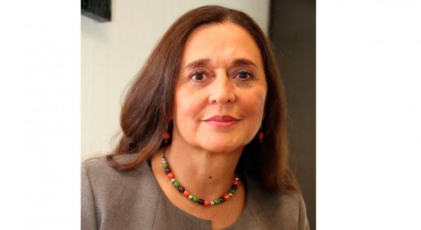 """María Amparo Martínez: """"Es importante reconocer función interés social agua"""""""