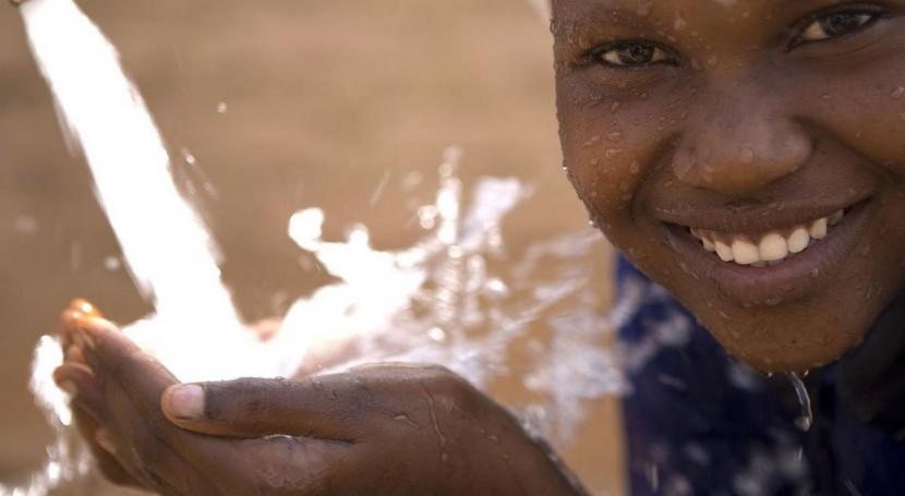 """acceso al agua y saneamiento Mauritania, eclipsado """"red social problemas"""""""