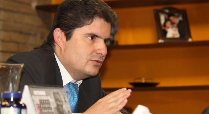 Luís Felipe Hanao (Ministro de Vivienda, Ciudad y Territorio)
