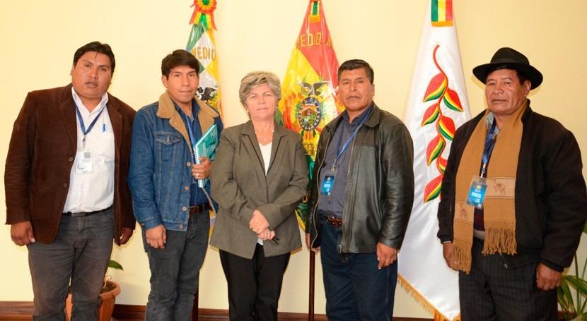 MMAyA apoya localidad boliviana Achacachi proyectos alcantarillado y agua potable
