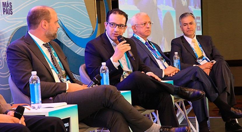 "Jorge Carrillo: "" acceso al agua potable se garantiza trabajo intersectorial"""