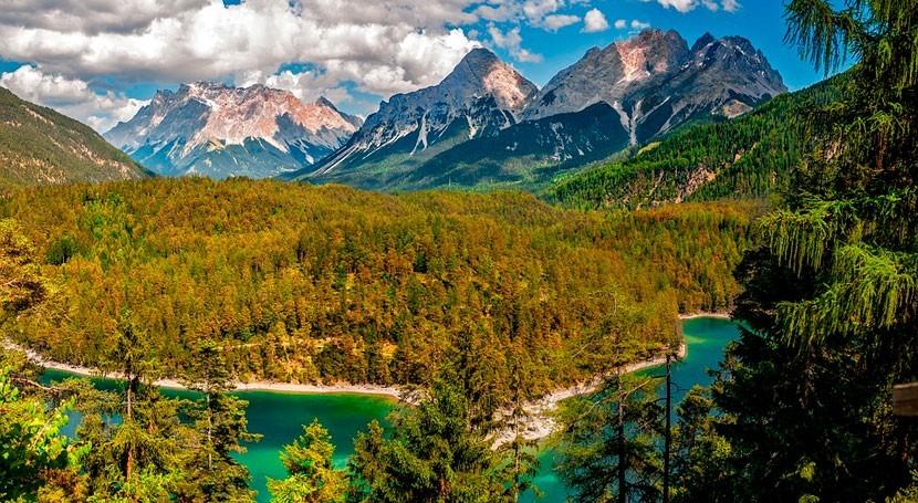 Eficiencia y sostenibilidad: retos agua sector turístico España