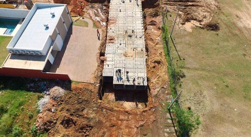 Paraguay avanza instalación alcantarillado como parte obra Laguna Grande