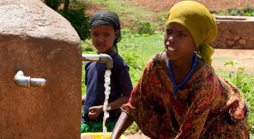Mujeres, aguas y liderazgo: Situación actual y buenas prácticas