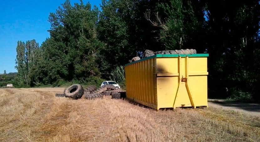 Retiradas 8 toneladas neumáticos entorno embalse Barasona, Huesca