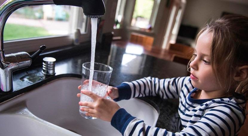 Aqua España pide seguridad jurídica uso sustancias producción agua potable