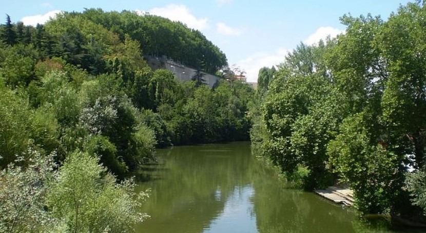 El río Arga a su paso por Pamplona (Wikipedia/CC).