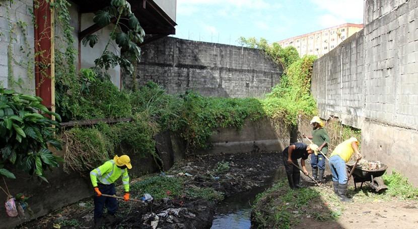 Panamá ejecuta limpieza tragantes y canales pluviales evitar inundaciones