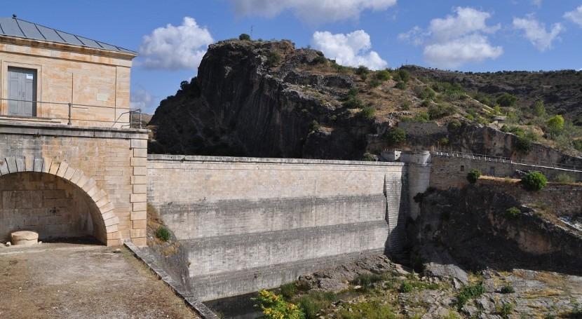Uso cartografía antigua inventario patrimonio olvidado: patrimonio hidráulico