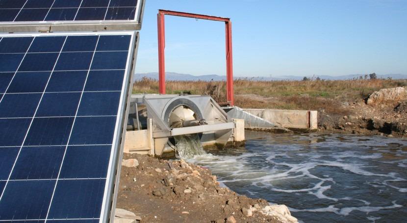 estación bombeo energía solar reduce salinización laguna Delta Ebro