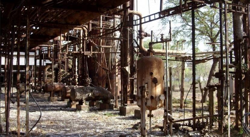 Planta de Union Carbide en Bhopal tras el desastre (Wikipedia/CC)