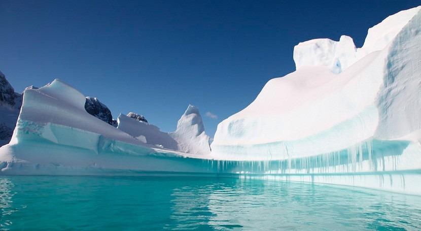hielo marino antártico es mucho menos sensible al cambio climático que Ártico