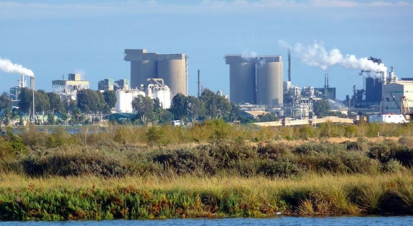 Zona industrial química de Palos de la Frontera (Wikipedia Commons/CC).