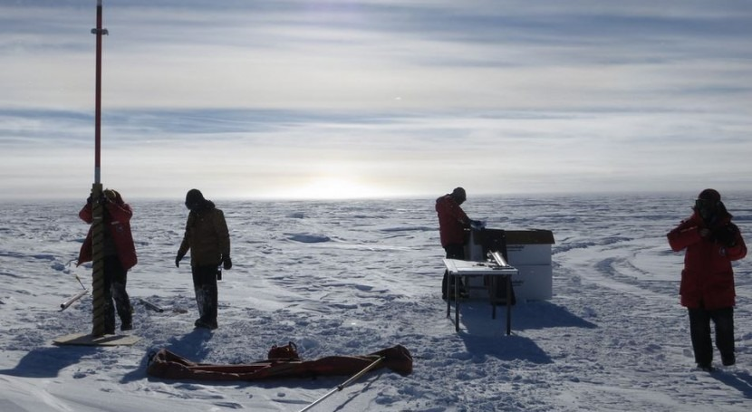 Momento de la perforación (South Pole Ice Core Project).