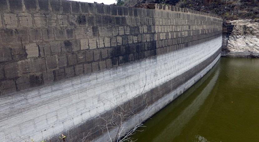 inmortalidad agua piedra Presa Pantaleón #Firgas #GranCanaria