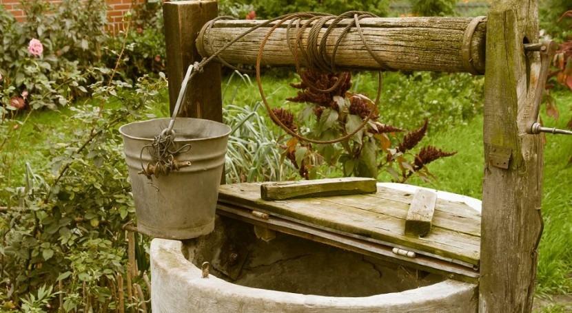 Pozo de agua artesanal