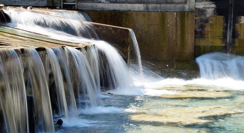 Euskadi, ejemplo cooperación: Invierte 5% canon agua proyectos solidarios