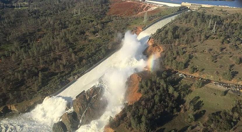 evacuados daños presa Oroville pueden volver casas