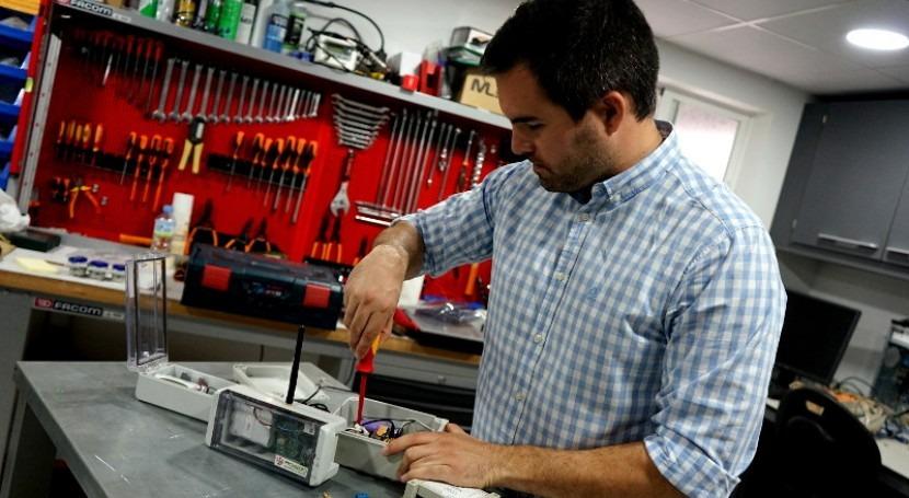 Promedio diseña dispositivos coste gestión inteligente agua