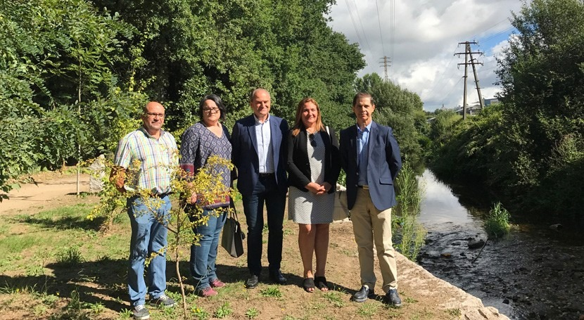 Iniciados trabajos protección márgenes río Louro tramo urbano O Porriño