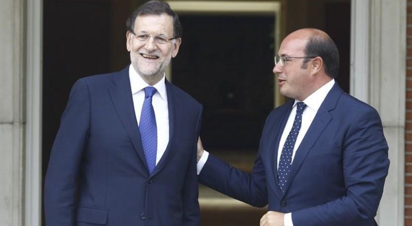 """Mariano Rajoy asegura que está estudiando poner """" precio razonable"""" al agua desalada"""