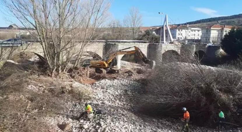 Arrancan trabajos ampliación espacio fluvial Híjar