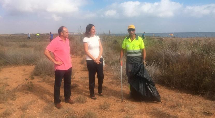 Retiran 10 toneladas residuos Mar Menor primera quincena agosto