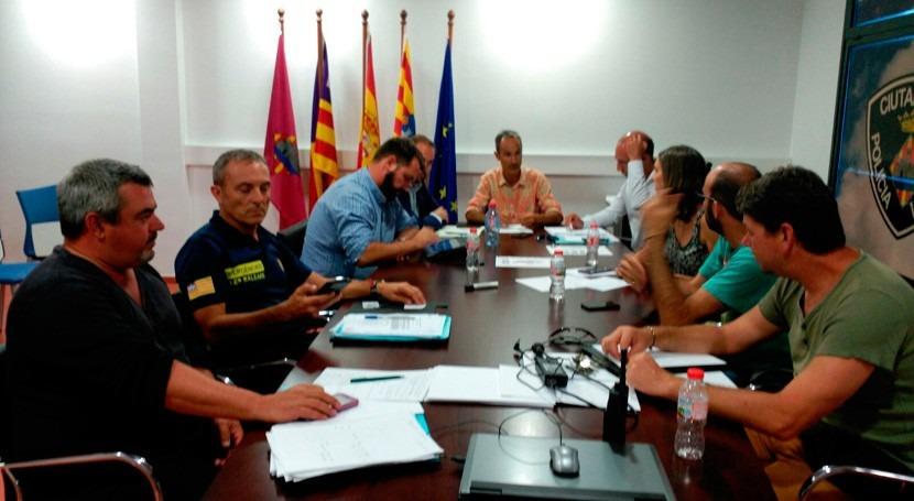 Reducido nivel emergencia tres playas Ciutadella derrame aceite