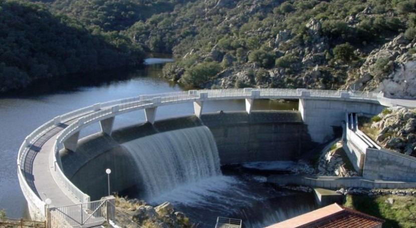 Se adjudica explotación suministro agua regantes río Adaja 391.000 euros