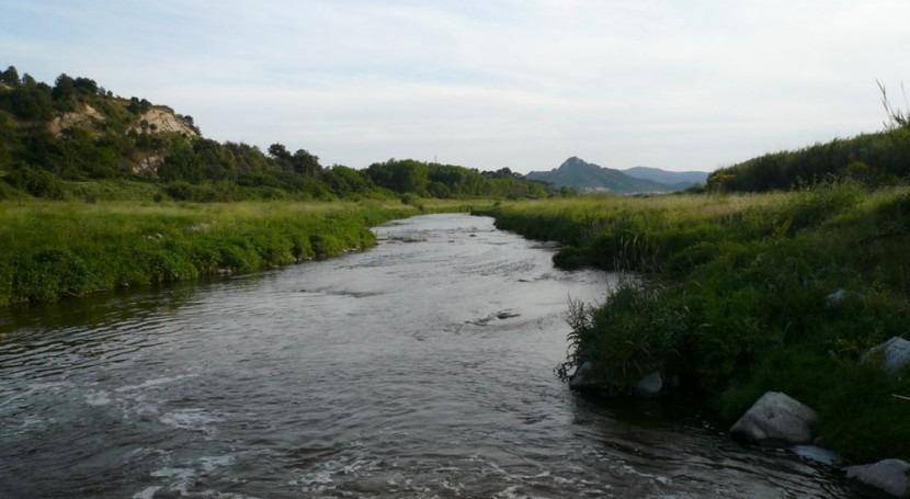 Identifican río Besós bacteria apta descontaminar acuíferos