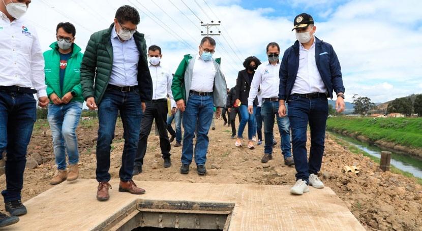 Colombia invierte acueductos y alcantarillado obras agua y saneamiento Boyacá