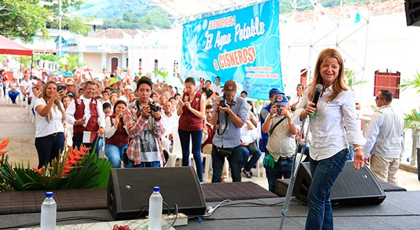 Gobierno colombiano lleva agua y saneamiento Puerto Berrío y Cisneros Antioquia