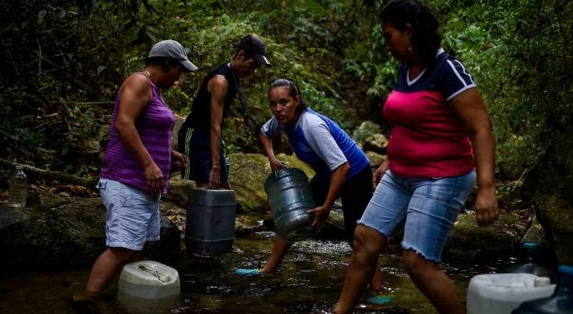 familia caraqueña crisis agua