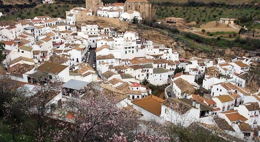 Setenil de las Bodegas (Wikipedia/CC).