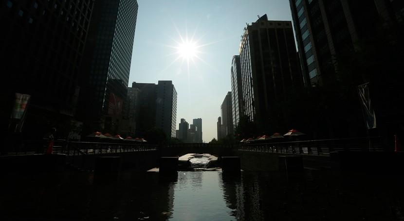 Corea Sur acepta envío agua embotellada norcoreana primera vez 7 años