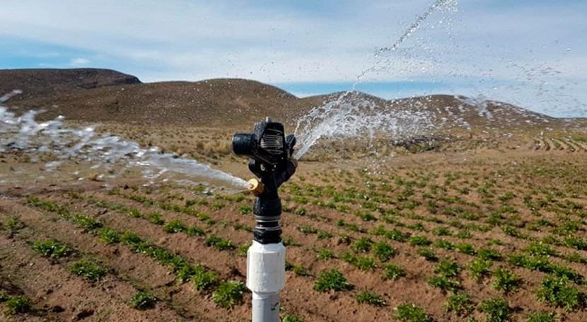 Bolivia entrega sistemas microriego tecnificado familias agricultoras Machacamarca