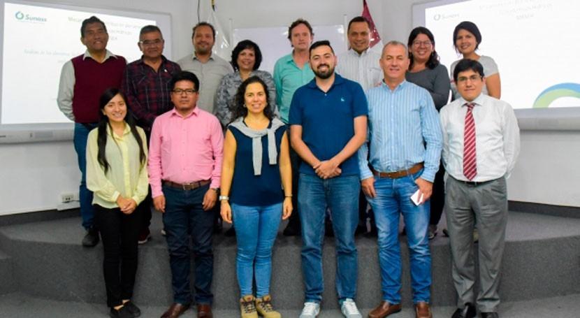 Colombia intercambia experiencias cuidado fuentes agua Perú